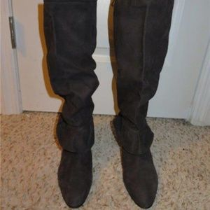 BLOOMINGDALES BROWN  LEATHER BOOTS SIZE 39 1/2